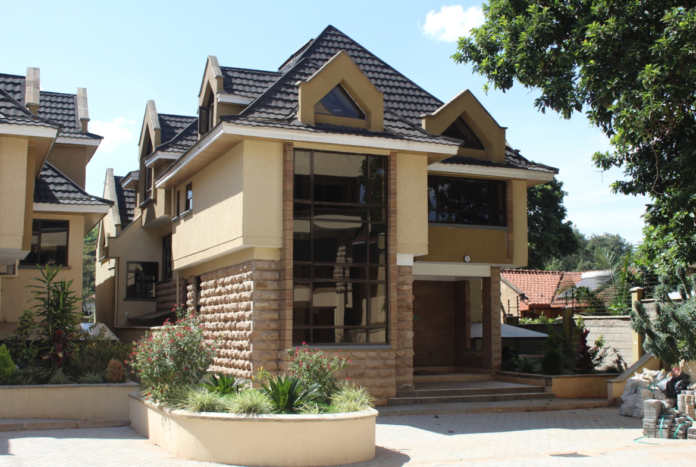 5 bedroom house For Sale-LAVINGTON